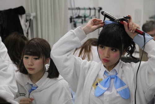 acg圣地成日本少女卖身温床