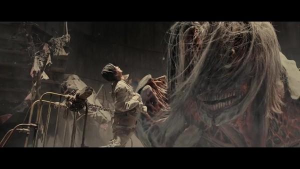 进击的巨人 电影版后篇PV曝光 艾伦激斗超大巨人图片